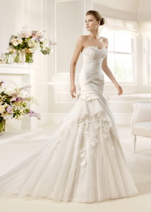 La Spoza Wedding Dresses Greece